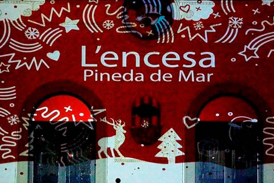 L'ENCESA (Switching the Christmas lights on)